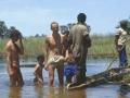Ein Bad im Okavango-Delta ist gefährlich. A bath in the Okavango Delta is dangerous.