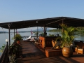 Das Deck des Mekong Island Cruise Ship von Lernidee Reisen im Süden bei den 4000 tropischen Inseln.The deck of the Mekong Island Cruise Ship south of Pakse near the 4000 tropical islands