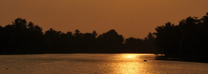 Headerbild Sunset Backwater Cruise in Kerala, India. © GMC Photopress, Gerd Müller, gmc1@gmx.ch