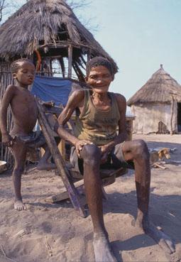 Botswana: Bushmen women in the Tsodillo Hills. Buschmänner-Sippe in den Tsodillo Hügel. © GMC Photopress, Gerd Müller, gmc1@gmx.ch