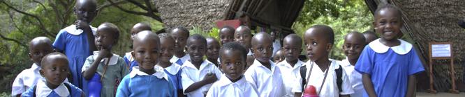Headerbild Kenyanische Schulkinder im Haller Park in Mombasa. © GMC Photopress, Gerd Müller, gmc1@gmx.ch