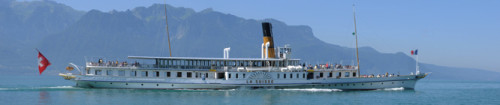 "Das Dampfschiff ""La Suisse auf dem Genfersee. The steamboat ""La Suisse"" crusing on Lake Geneva"
