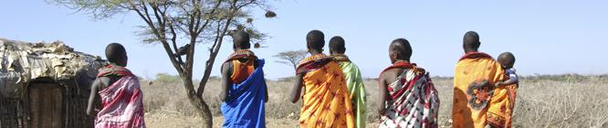 Samburu-Frauen im Nationalpark in Kenya | Samburu-Village-women in the National Park in Kenya's. © GMC/Gerd Müller