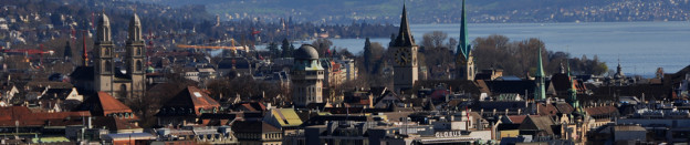 Headerbild Panorama Stadt Zürich und Sicht auf den See und die Berge. panoramic view of Zürich-City, the lake and the mountains
