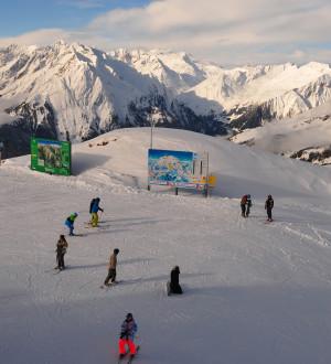 Wintersport, Alpinismus, Schneeberge, Skifahrer, Grossglockner, Adlerlounge | Alps, Snow mountains, Adler Lounge, Matrei, Grossglockner, Tyrol