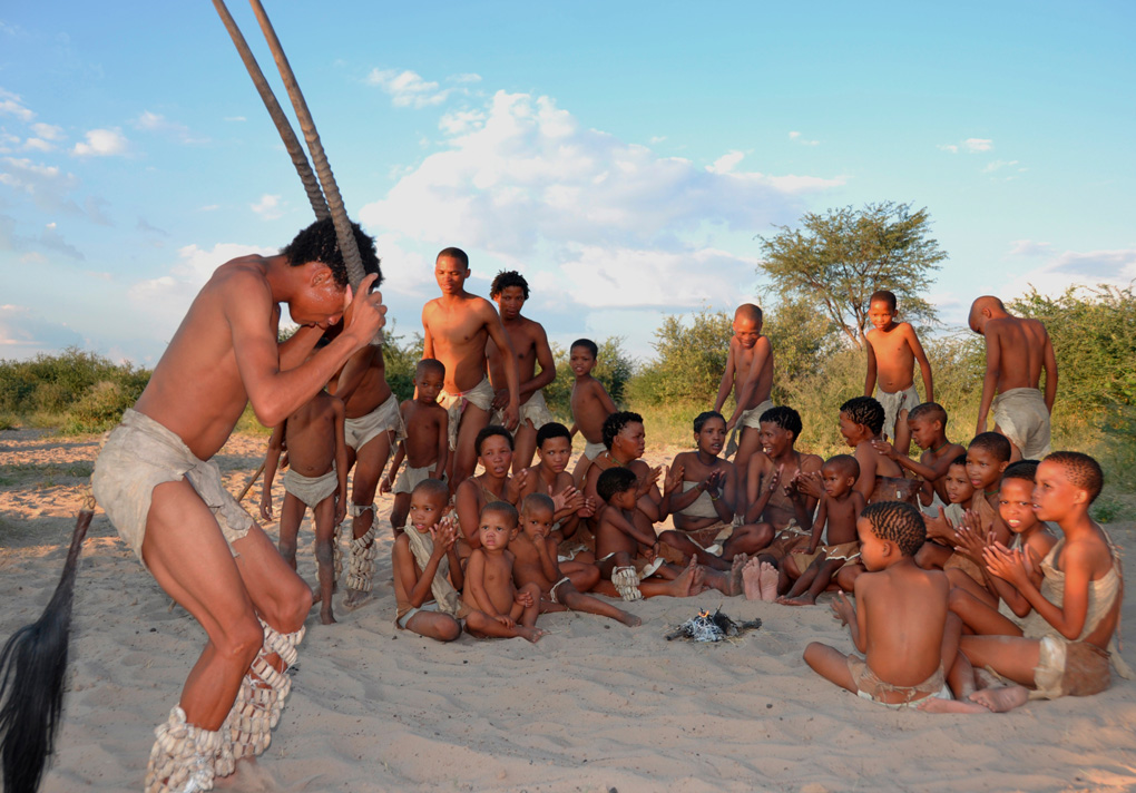 Botswana: Naro-San-Peoplenear Ghanzi in the central Kalahari. Naro-Buschm