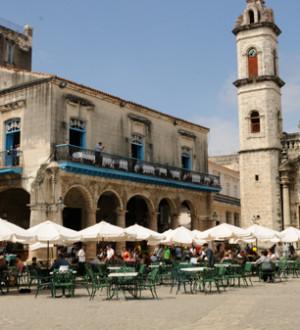 Kuba: Der historische Kathedralsplatz in Havanna. The historic Cathedral place in Havanna-City