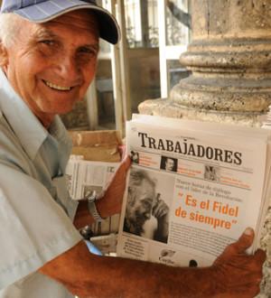 Kuba: Zeitungsverkäufer in Havanna