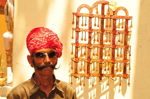 Indien: Indischer Mann mit Schnauz