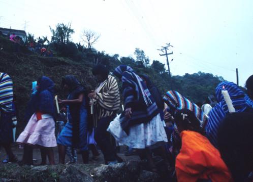 Mexico: Osterprozessionen Indios Zacantepec