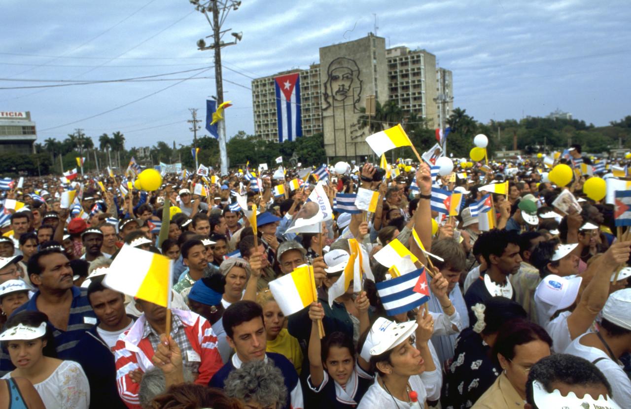 Kuba Papastvisite auf dem Plaza de Revoluccion in Havanna