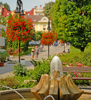 Ungarn: Stadtzentrum Hévíz. Bild: zVg.