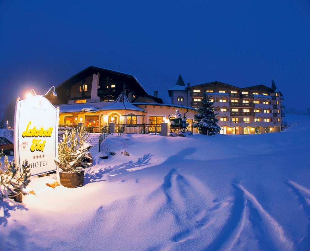 Laternd'l Hof Aussenansicht Winter
