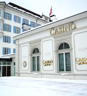 Eingang des Grand Casino in St. Moritz im Luxus-Hotel Kempinski Entrance of the Grand Casino in St. Moritz at Kempinski Hotel