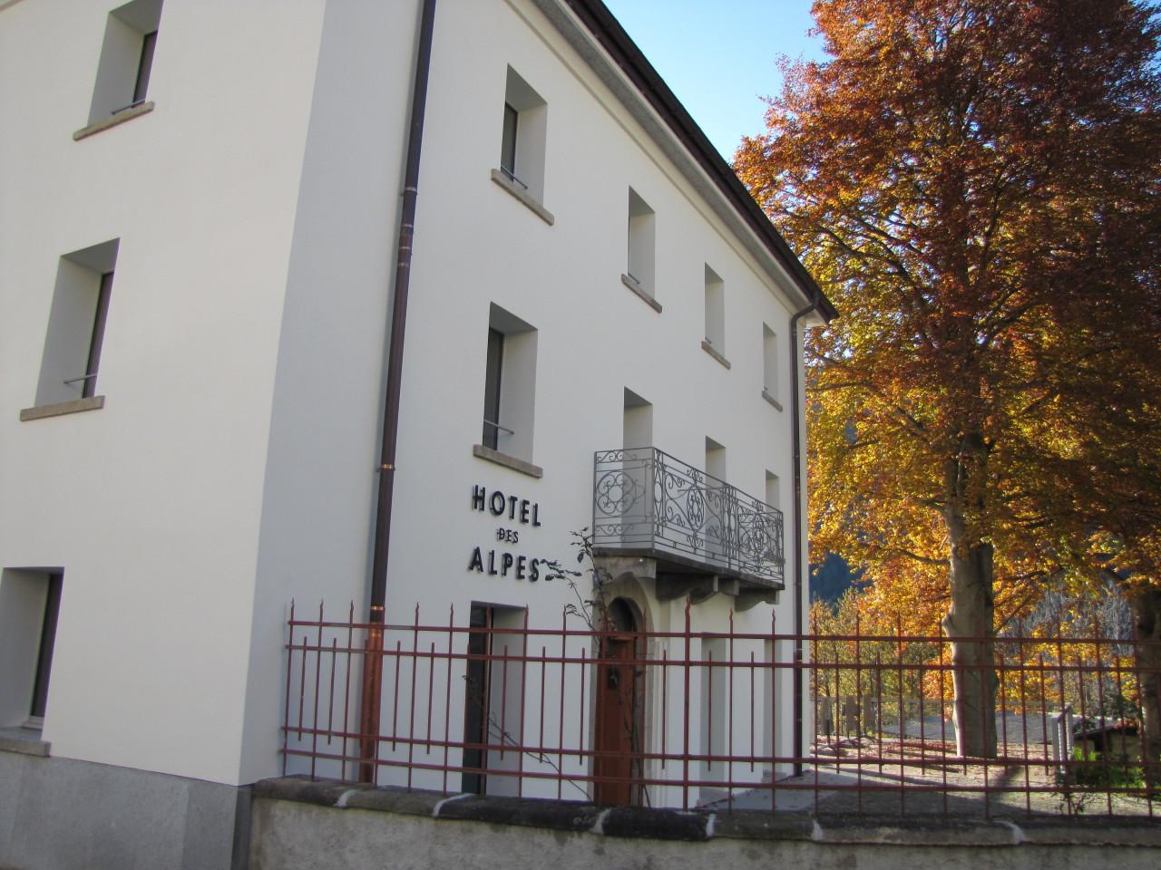 Hotel des Alpes Dalpe Aussenansicht